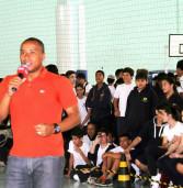 """Barueri oferece """"clínica com feras do basquete"""" para estudantes da cidade"""