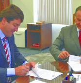 Prefeito Elvis Cezar assina renovação do Convênio de Implantação do Corpo de Bombeiros em Santana de Parnaíba