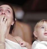 """Informe Publicitário:""""Iguatemi Alphaville realiza emocionante homenagem para o Dia das Mães em ação de encantamento"""