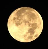 Super lua faz menor distância entre a Terra, na noite de hoje
