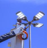 Programa ilumina Parnaíba instala  luminárias de LED na região do bairro Fazendinha