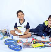 Alunos da rede municipal de Santana de Parnaíba recebem uniformes e materiais escolares nos primeiros dias de aula
