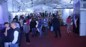 700 estandes abrilhantando a Feira de Negócios de Santana de Parnaíba, que acontece até amanhã, sábado, no Sport Ville
