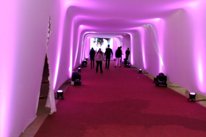 feira negocios.corredor.rosa.beleza.696