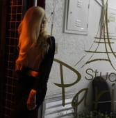 Studio Paris, no Centro Comercial Alphaville, tem localização privilegiada.