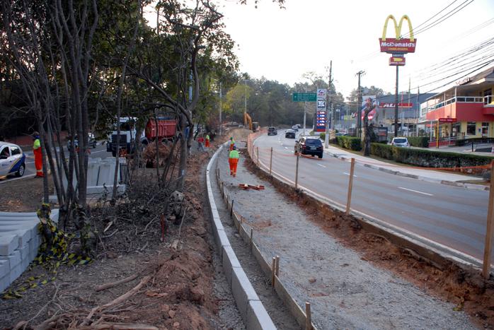 Alargamento de via em Alphaville 25 07 yojiro.alargamento.SANDRO ALMEIDA (1).698