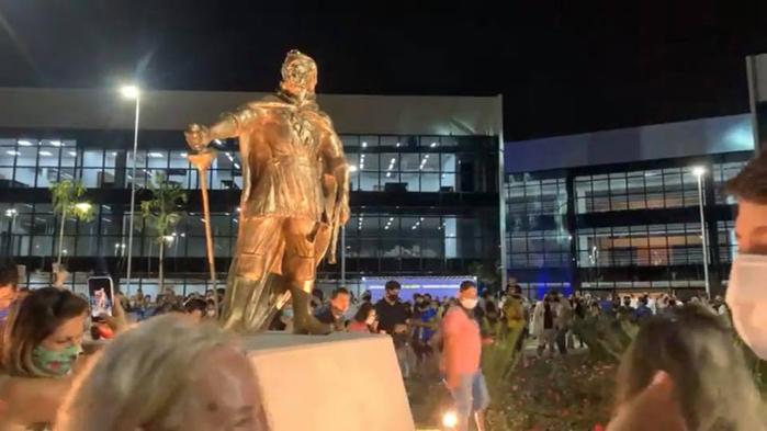 CAB.estátua