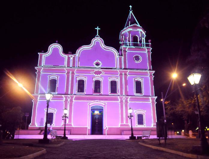 Outubro-Rosa-Igreja-Matriz
