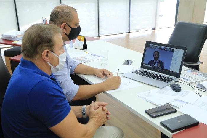 foto1- Deputado Cezar e prefeito Marcos Tonho em reunião com Doria e secretários.699