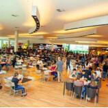 Parque Shopping Barueri aumenta o seu mix de lojas na praça de alimentação. Shopping tem cuidados de prevenção ao Covid-19 aumentados, com bastante segurança