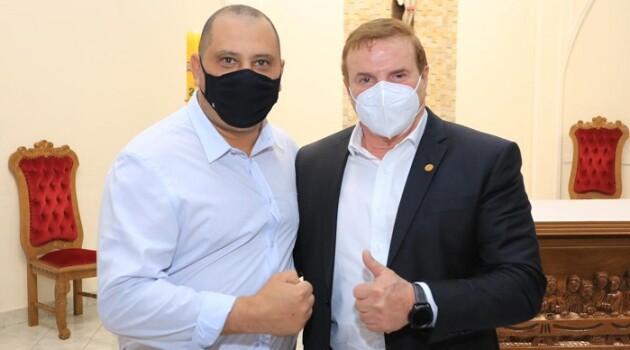 Fundo Social de Parnaíba recebe apoio do deputado Cezar e do Governo do Estado para doações